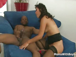 A Horny Asian MILF Yuki Mori Battles Big Black Cock And Gets A Nice Facial