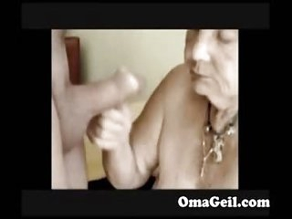 OmaGeiL Homemade Horny Amateur Granny Blowjob