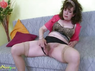 Great Mature Hairy Pussy Toy Masturbation For An Old Granny Her Still Need To Get Off Now And Then
