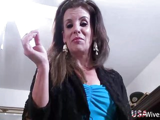 USAWives Horny mature wife from USA fulfilling her desires