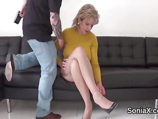 Adulterous british mature lady sonia pops out he