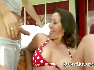 Hot Mature Brunette Mouth Fucks A Large Cock